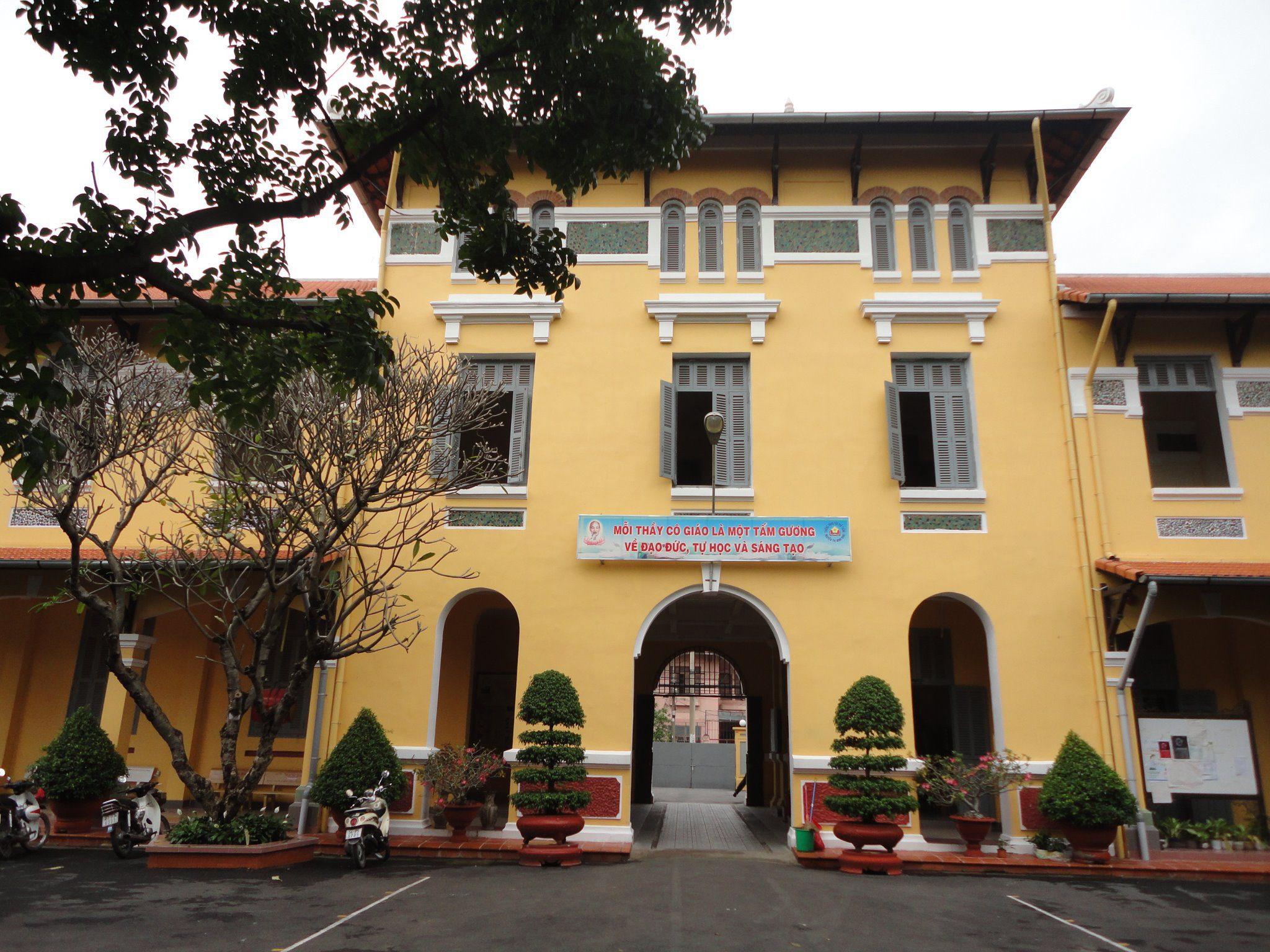 460920 342726249096857 205968406 o - Áo hoodie đồng phục lớp 10A7 - THPT Nguyễn Thị Minh Khai
