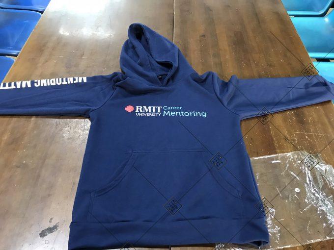 Rmit Hoodie 1 34f850a4e3b01bee42a11 680x510 - Áo hoodie đồng phục trường Đại học Quốc tế RMIT Việt Nam - Career Mentoring