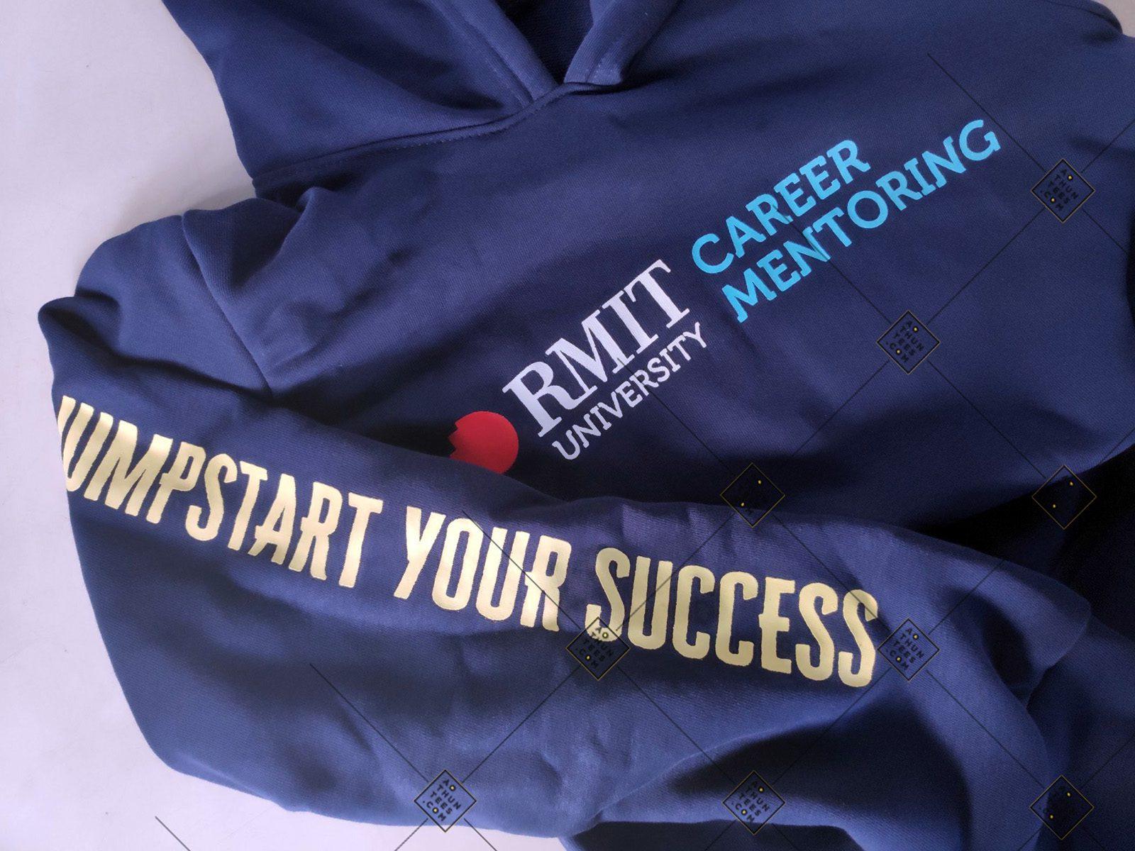 Rmit Hoodie 3 e368e1915385abdbf2946 - Áo hoodie đồng phục trường Đại học Quốc tế RMIT Việt Nam - Career Mentoring