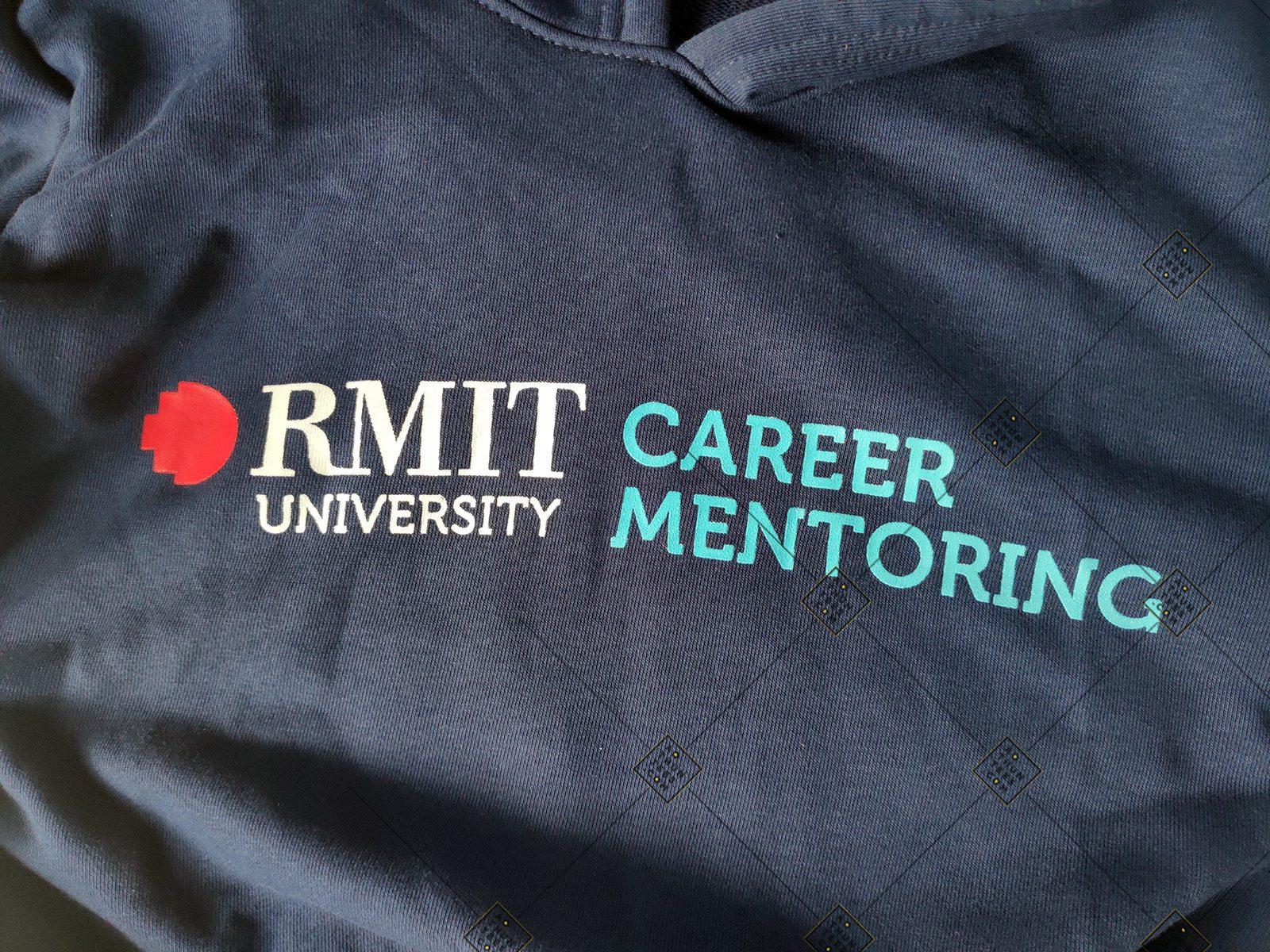 Rmit Hoodie 6 73eeb9690b7df323aa6c7 - Áo hoodie đồng phục trường Đại học Quốc tế RMIT Việt Nam - Career Mentoring